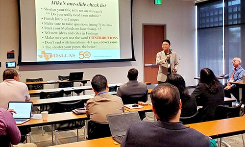 mike peng keynote presentation at aib us-southeast chapter conference