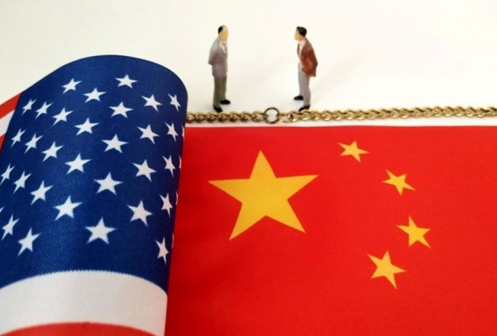 graphic depicting United States and Chinese flags